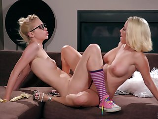 Lesbian threesome with nerdy Chloe Cherry and her teen friends