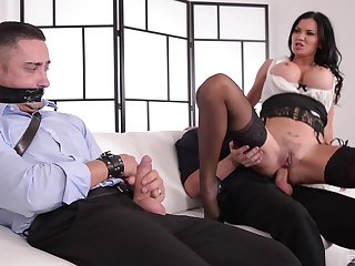 Kinky MILF Jasmine Jae ties up a guy and rides him at the office