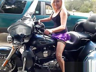 Revving Harleys Make Her Pussy WET!