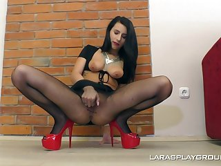Horny MILF lesbian Nelly Kent licks her friend's pussy in boots