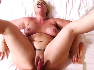 MomPov Selah - Epic slut MILF loves to fuck E493