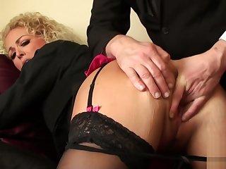 Submissive milf rides