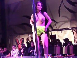 Show Bianka Blue en la barra FEDA 2017
