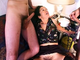 MILF Kelly Leigh Takes Two Hard Cocks For Double Penetration
