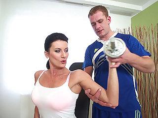 big boob skorty mom gets rough fucked by her gym coach
