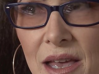 SHOCK!mature mom in fishnets enjoy big black dick in interracial video