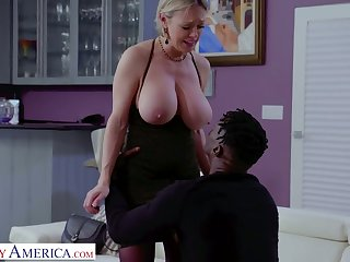Sexy Dee Williams has some heavy danglers and she is one wild BBC slut