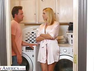 Stepson can't resist fucking super sexy slutty mommy Briana Banks