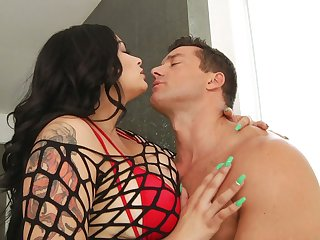 Rubbing clit busty cowgirl Carolina Cortez gets her anus stretched hard