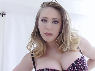 Kagney Linn Karter masturbates using her fingers and a dirty mind