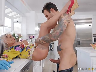 Blonde granny Sally D'angelo pounded in the kitchen and gets a cumshot