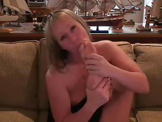 Mercedes Sucking Her Toes Jerk Off Encouragement [VINTAGE]